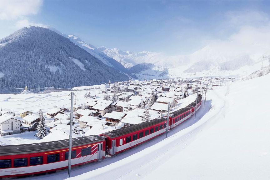 A bordo del Glacier Express: panorámicas de los Alpes Suizos a cámara lenta